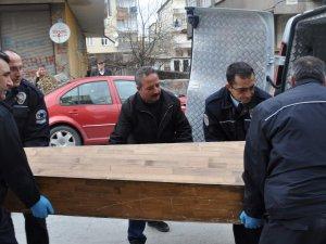KAYSERİ'DE KESERLİ BIÇAKLI CİNAYET 5 GÜN HALIYA SARILI KALDI