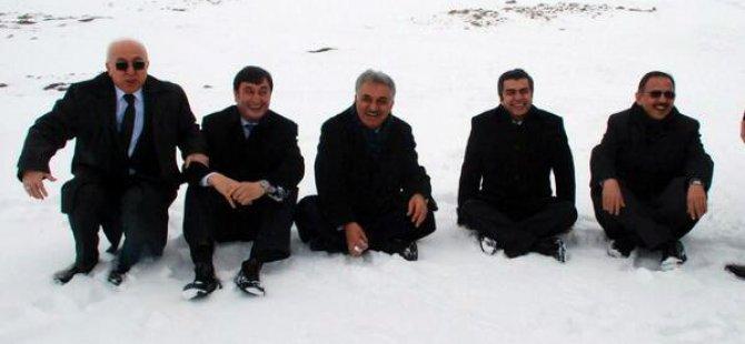 Bakan Hayati Yazıcı,kar hasretini Erciyes Dağı'nda dindirdi