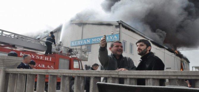 Kayseri Kervan Mobilya'da Yangın