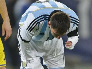 Messi sahada kustu