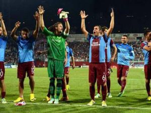 Trabzonspor 4-2 Derry City Gole Boğdu-Video