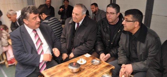 CHP adayları, 27 Mayıs ve Vatan Caddesi esnafını ziyaret etti