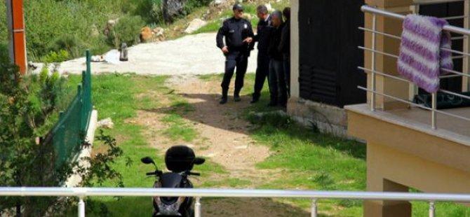 3 kişiyi vurup bebeğini rehin aldı