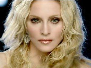 Bu yapılacak iş mi Madonna
