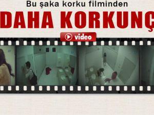 Bayanlar Tuvaletinde Korku filmlerini aratmayan şaka-VİDEO