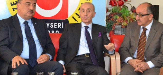 ESKİ DEVLET BAKANI HİKMET ÇETİN KAYSERİ'DE