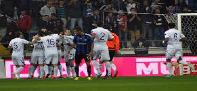 Erciyesspor Kasımpaşa'ya 3-0 mağlup oldu