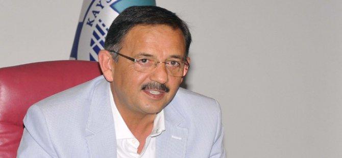 KAYSERİ'DE KOLTUK DEĞİŞMEDİ MEHMET ÖZHASEKİ REKOR OY ALDI