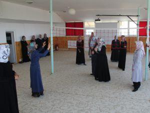 KUR'AN KURSU'NDA BADMİNTON KEYFİ