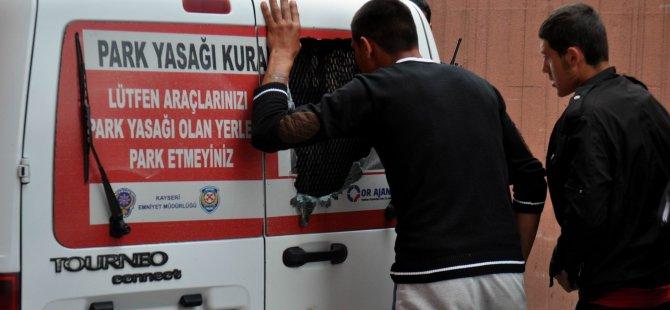 KAYSERİ'DE OLAYA GİDEN POLİS EKİBİNE SALDIRI: 2 POLİS YARALI