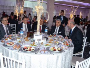 Kayseri Barosu Avukatlar yemekte bir araya geldi