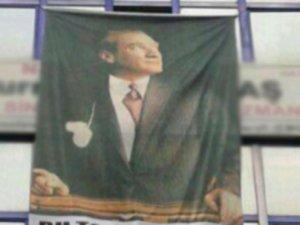 Atatürk posteri asan doktorun muayenehanesi kapatıldı