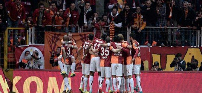 Kırmızı Kartların Uçuştuğu Derbinin Gülen Tarafı Galatasaray