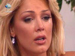 Petek Dinçöz Kemerle dayak Yedim canlı yayında gözyaşlarına boğuldu