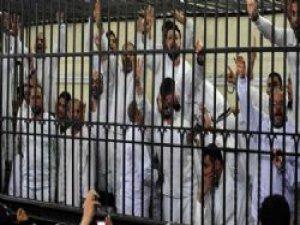 Mısır'daki idam kararları protesto edildi!