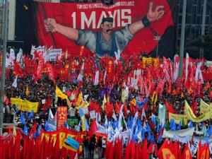 KAYSERİ'DE TÜRK GENÇLİK BİRLİĞİ 1 MAYIS'I KUTLADI