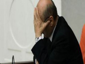 Erdoğan Bayraktar gözyaşlarına hakim olamadı