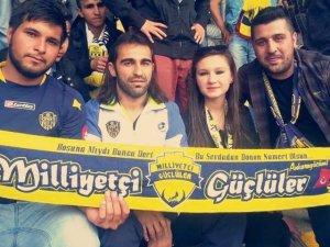 Ankaragücü'nün Sakat Futbolcusu Tribünde Destek Verdi