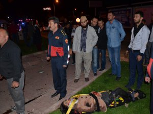 Kayseri Kocasinan Bulvarı trafik kazası kanlar içinde kaldı 7 yaralı