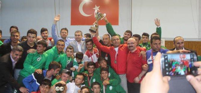 Kayseri Şeker Spor Güreş Takımı  Süper Lig 'e yükseldi