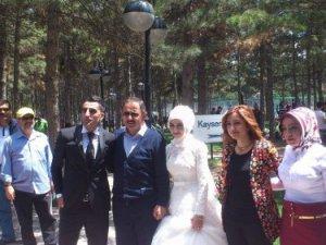 Beştepelerde Başkan Özhaseki ile karşılaşan  şanslı çiftler