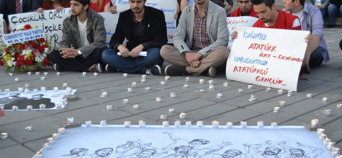 KAYSERİ CHP İL TEŞKİLATINDAN SOMA'DA HAYATINI KAYBEDENLER İÇİN OTURMA EYLEMİ