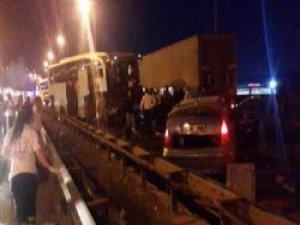30 Araç Birbirine Girdi, TEM'de Korkunç Kaza