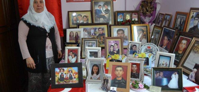 Kınalı kuzusunun odasını fotoğrafları ile donatan şehit annesi