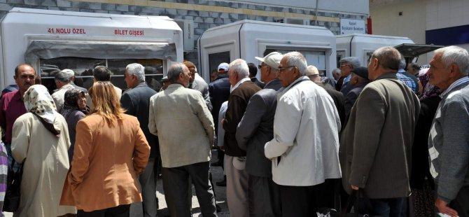 KAYSERİ'DE YAŞLILAR, ÜCRETSİZ ULAŞIMA YOĞUN İLGİ GÖSTERİYOR