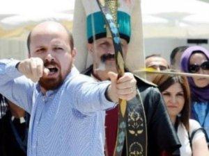 """Necmettin Bilal Erdoğan """" Ya Hak """" diyerek iki ok atışı yaptı"""