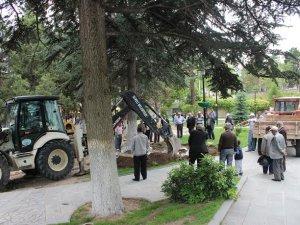 DEVELİ'DE MEYDAN DÜZENLEMESİ BAŞLADI