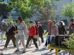 KAYSERİ'DE 28 FARKLI BÖLGEDE TOPLU SABAH SPORU YAPILIYOR