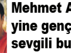 Mehmet Ali Erbil yine genç bir sevgili buldu