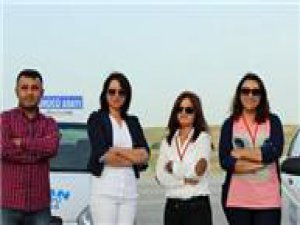 Kırşehir'de Bayanlar sürüyor, erkekler öğreniyor