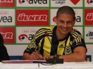 Yılıdız Oyuncu Alex Fenerbahçeli Taraftarlarla Buluştu