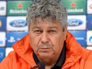 Galatasaray Hangi hoca ile el sıkıştı