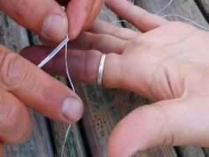 Parmakta sıkışan yüzüğü çıkarma tekniği
