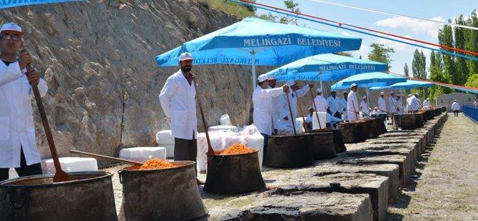 Melikgazi Belediyesi Mimar Sinan ve Evliyaları Anma Günü Yaptı