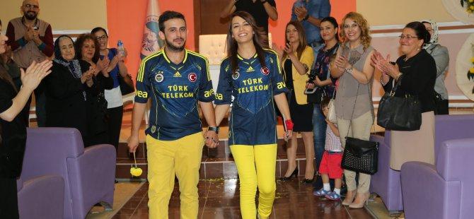 Kayseri'de Kocasinan'da Fenerbahçe Formasıyla Nikah Kıydırdı