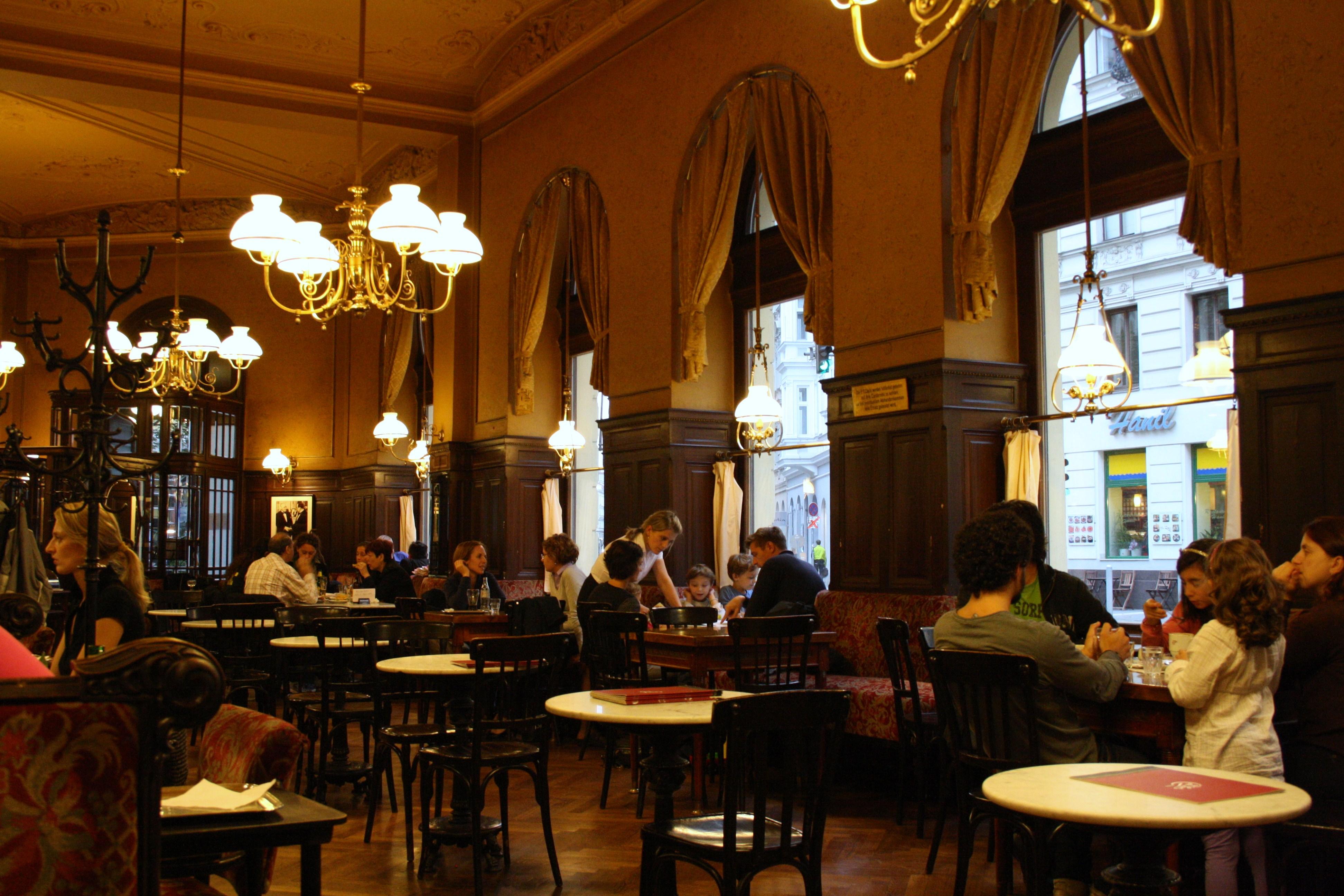 Perlaa Pochi Cafe ve Bıstro açılıyor