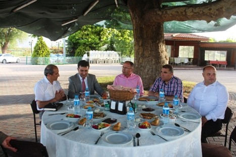ŞEKERSPOR SATRANÇ TAKIMI ŞAMPİYONA ÖNCESİ YEMEKTE BULUŞTU