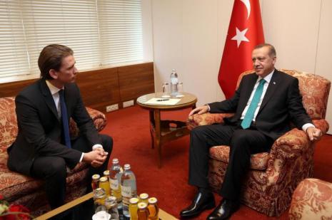 Başbakan Erdoğan 28'lik bakanla ne görüştü!