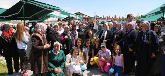 Kayseri'de sabah sporu yapan hanımlar