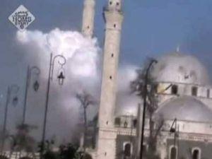 Suriye'de Camiyi Bombaladılar-video