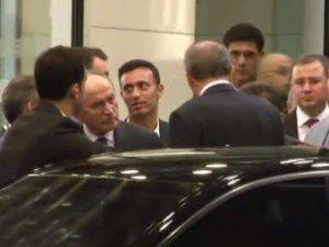Mustafa Sandal Başkan'ı karşıladı