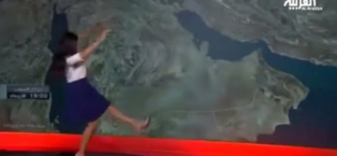 Kadın Spiker Canlı Yayında Yere Düştü-video