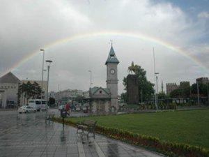 KAYSERİ'Yİ SERİNLETEN YAĞMUR