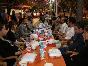 Brn Yatak Yönetim Kurulu Başkanı Berna İlter İftar Yemeği Verdi