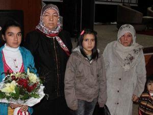 Anneleri Öldürülen Kız Kardeşlerden Ağlatan Mektup