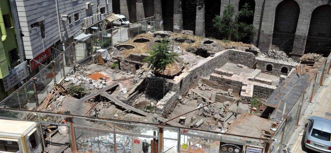 İSTANBUL'DAN KAYSERİ'YE GELDİ TARİHİ HAMAMDA KAHVE KEYFİ YAŞATACAK